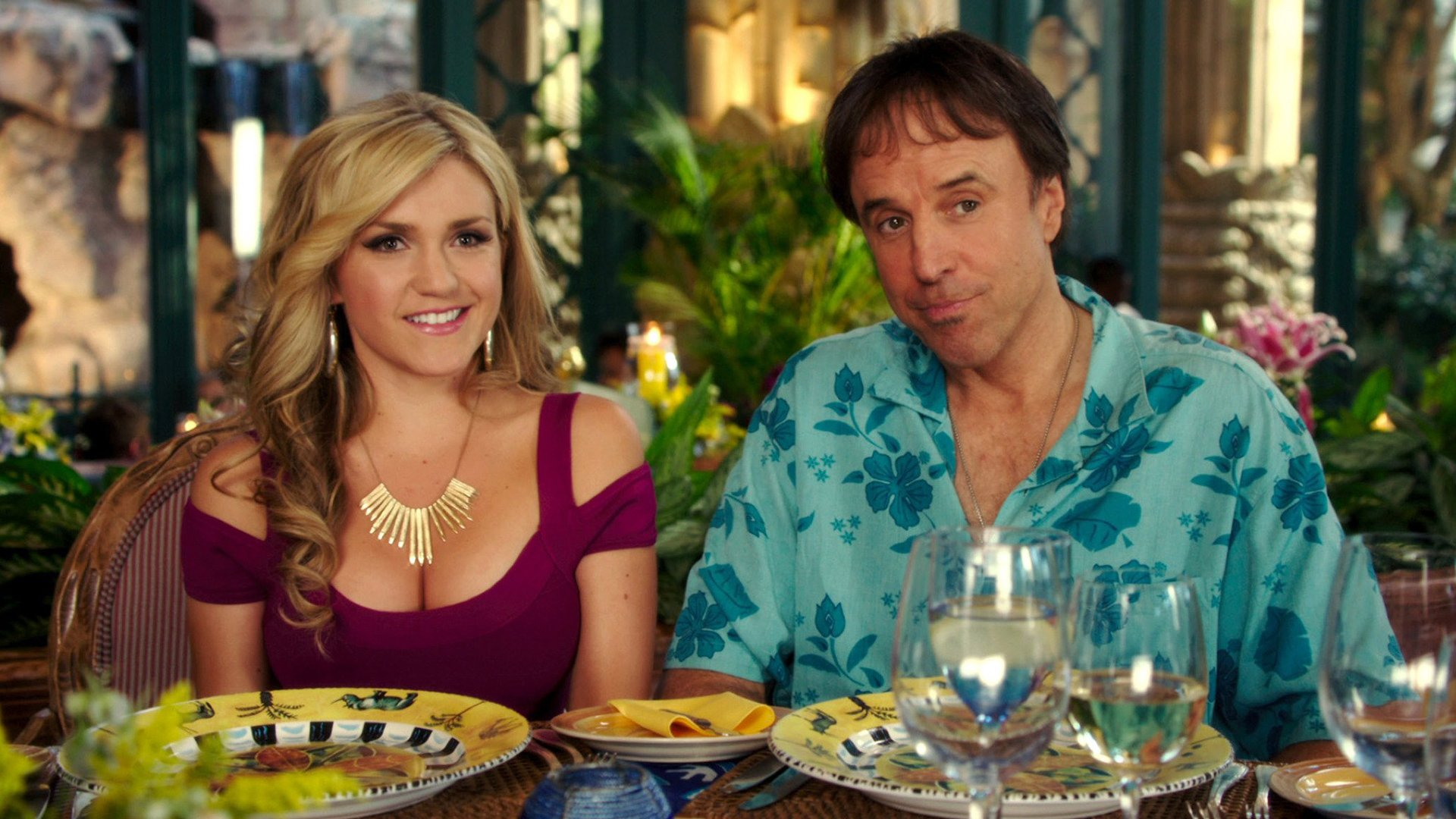 Kevin Nealon con Jessica Lowe in Insieme per forza