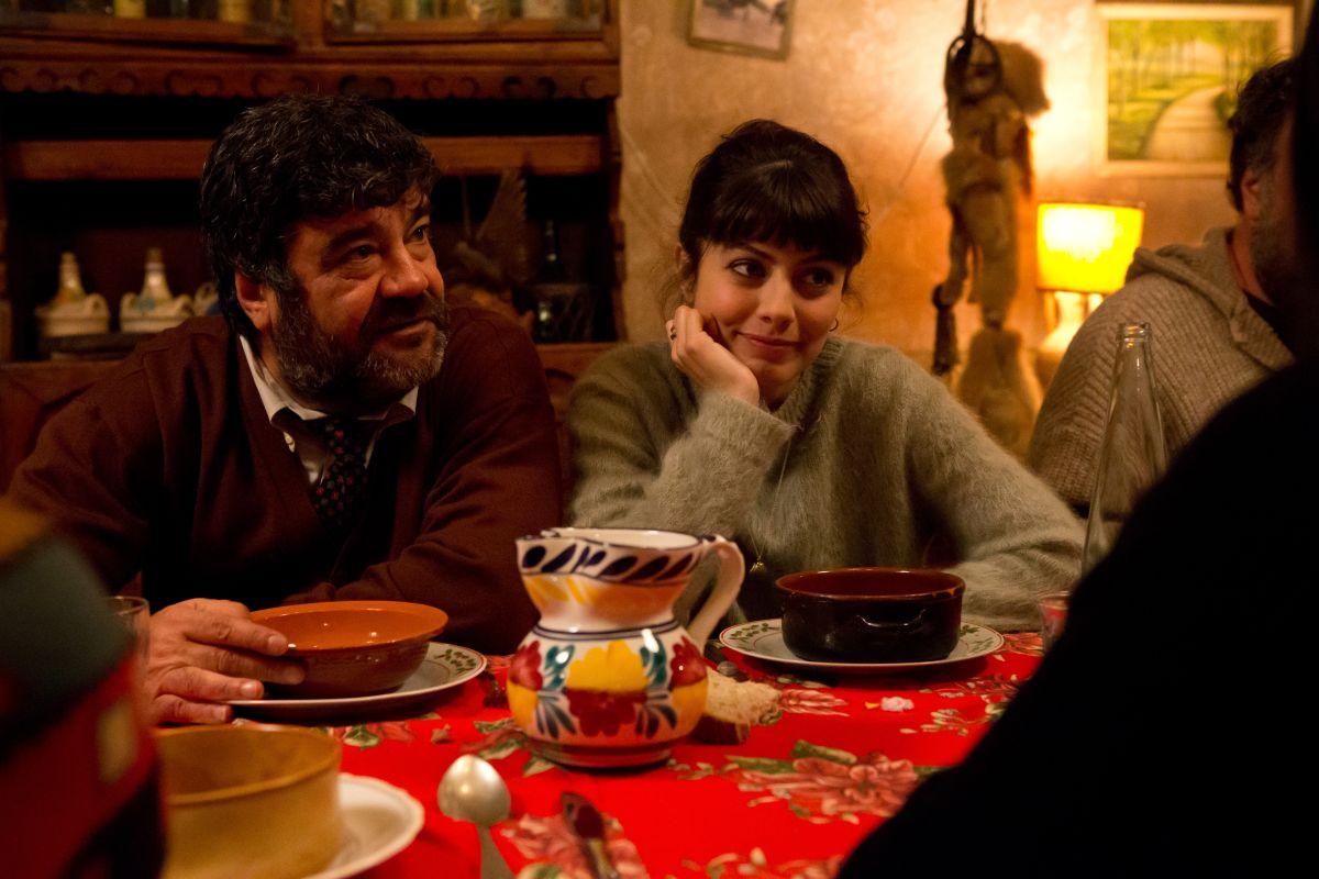 Francesco Pannofino con Alessandra Mastronardi in Ogni maledetto Natale