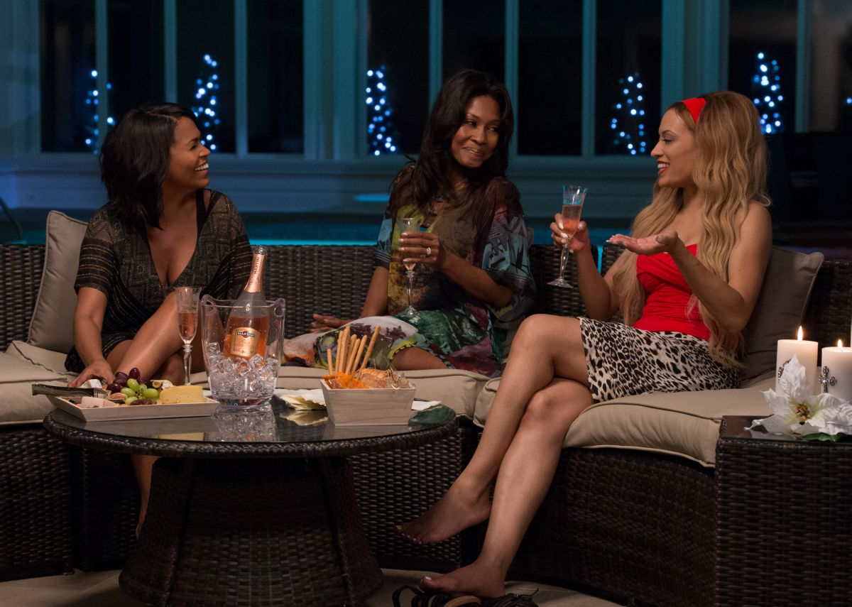The Best Man Holiday: Nia Long con Monica Calhoun e Melissa De Sousa inuna scena