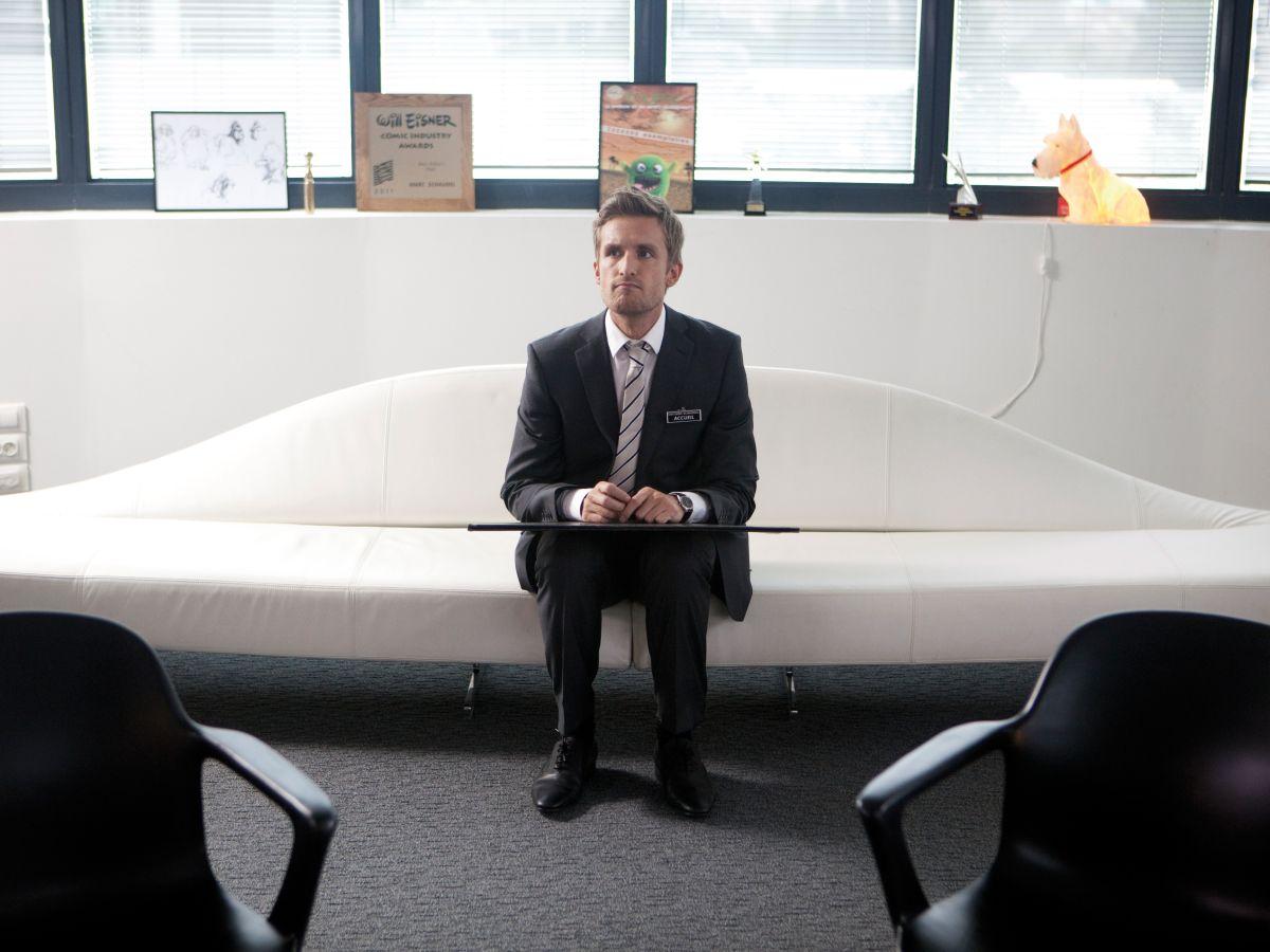 Babysitting: Philippe Lacheau, protagonista e co-regista del film, in una scena nei panni di Franck