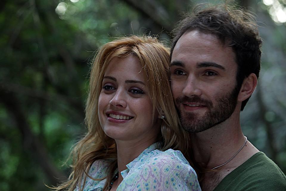 L'estate sta finendo: Nathalie Rapti Gomez e Stefano Fardelli in una scena del film