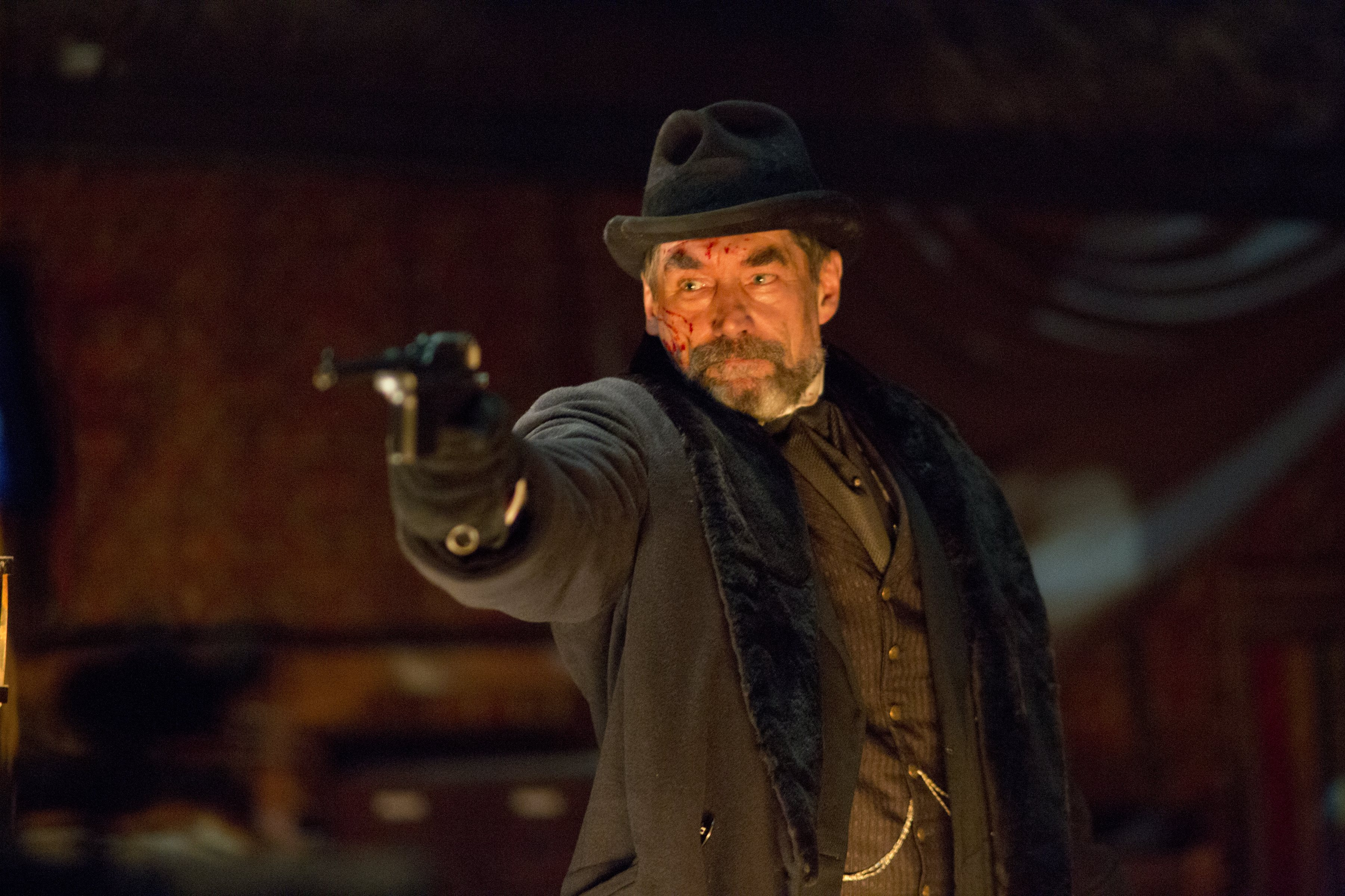 Penny Dreadful: Timothy Dalton nell'episodio Grand Guignol