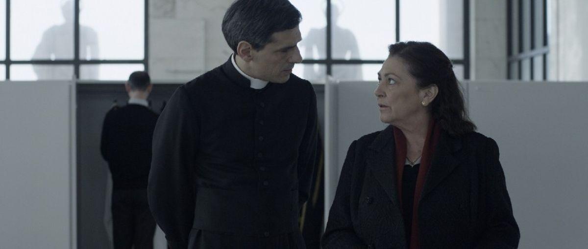 Stefano Dionisi e Carmen Maura in una scena de La madre, un film di Angelo Maresca