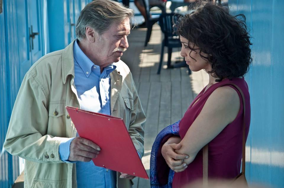 Non lo so ancora: Giulio Brogi con Donatella Finocchiaro in una scena del film