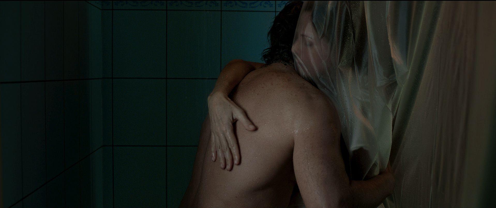 La ricostruzione: Claudia Fontán e Diego Peretti in una struggente scena del film