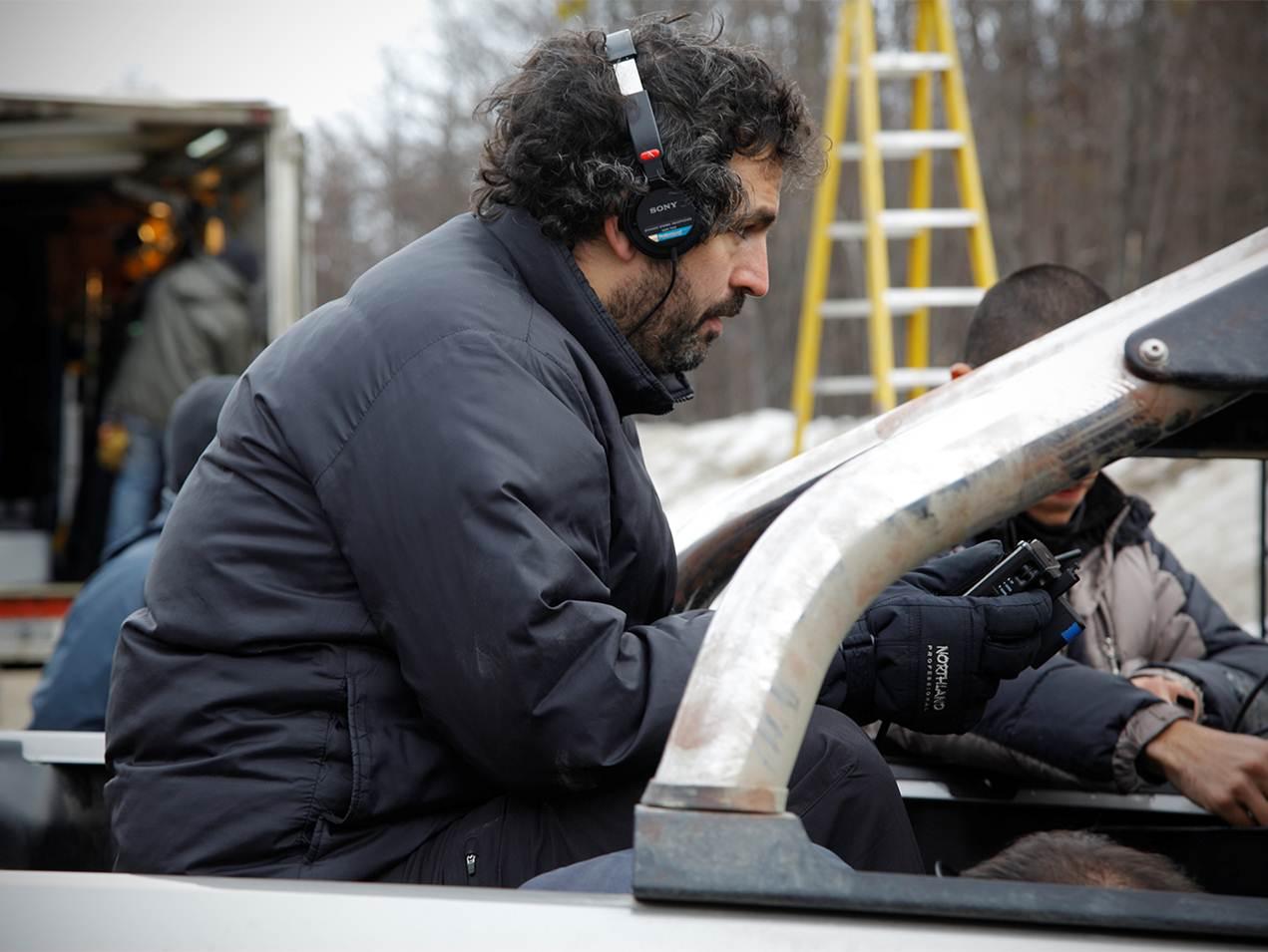 La ricostruzione: il regista Juan Taratuto sul set del film