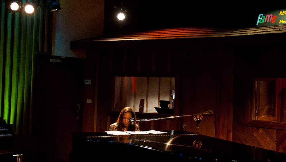 Muscle Shoals - Dove nascono le leggende: Alicia Keys in una scena del documentario