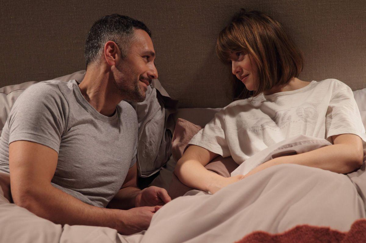 Scusate se esisto!: Raoul Bova e Paola Cortellesi in una scena della commedia