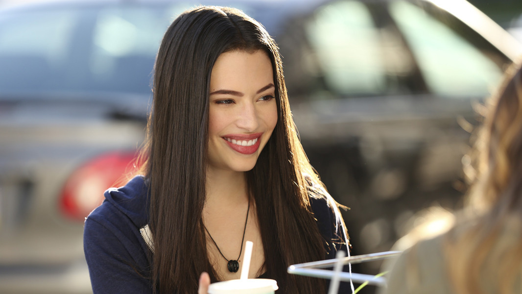 Pretty Little Liars: Chloe Bridges nell'episodio Thrown from the Ride