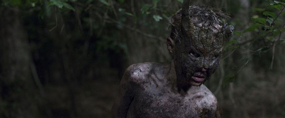 Cub: un'agghiacciante immagine del film horror ambientato in un campo di boy scout