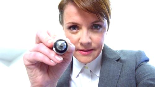 Supernatural: Amanda Tapping in una scena della serie
