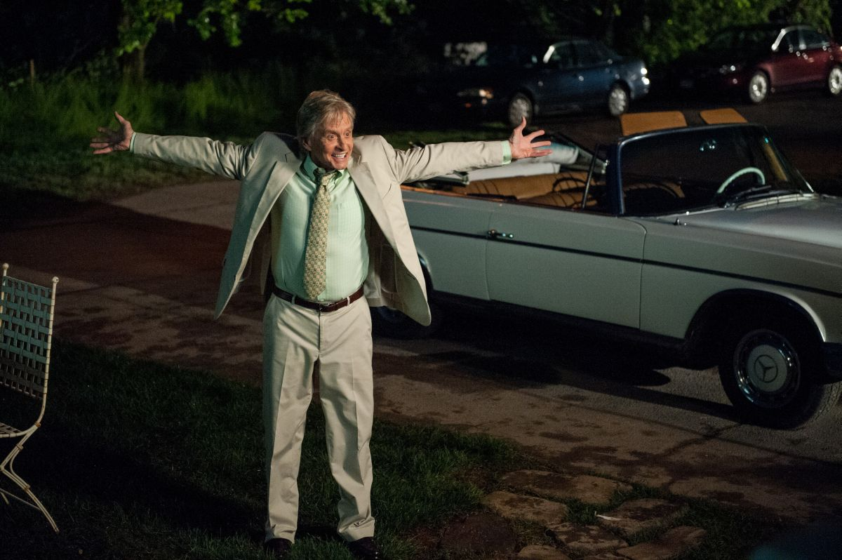Michael Douglas nei panni dell'agente immobiliare Oren Little in Mai così vicini