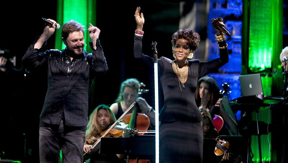 Duran Duran: Unstaged, Kelis con Simon Le Bon in una scena del documentario musicale di David Lynch