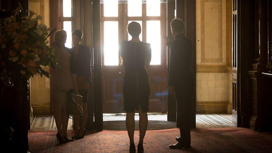 The Honourable Woman: una scena dell'episodio The Empty Chair