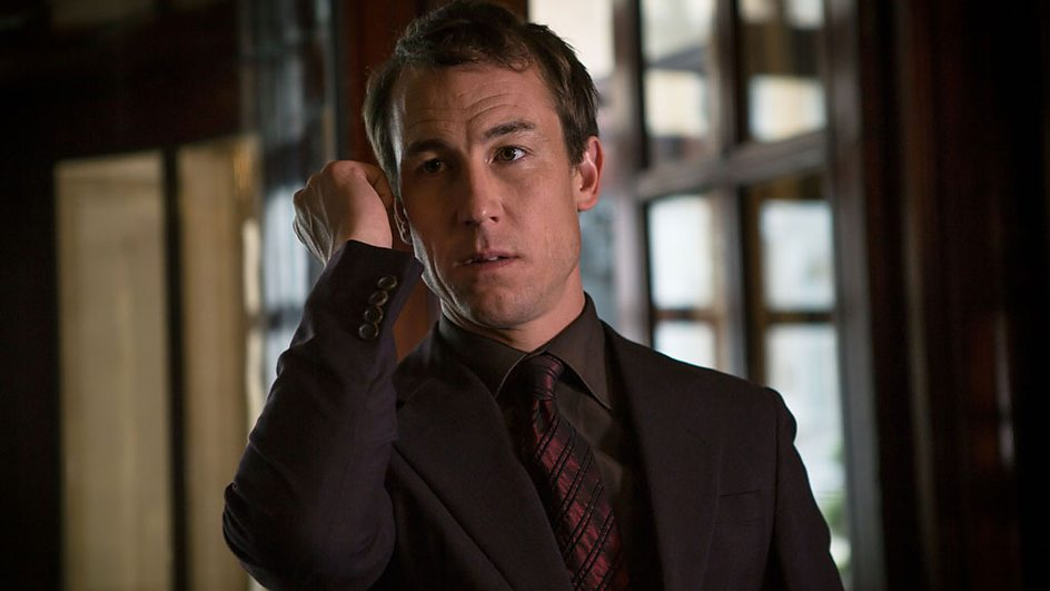 The Honourable Woman: Tobias Menzies nell'episodio The Empty Chair
