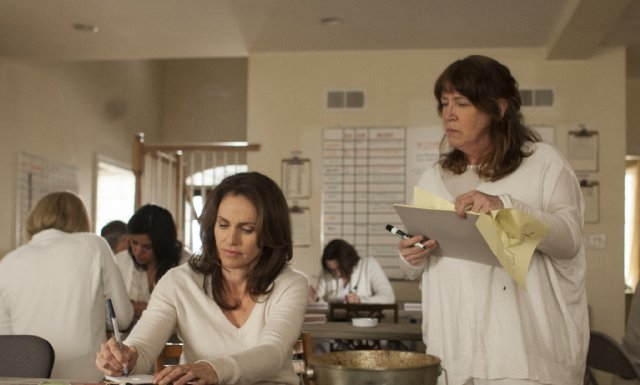 The Leftovers: Ann Dowd nell'episodio Penguin One, Us Zero