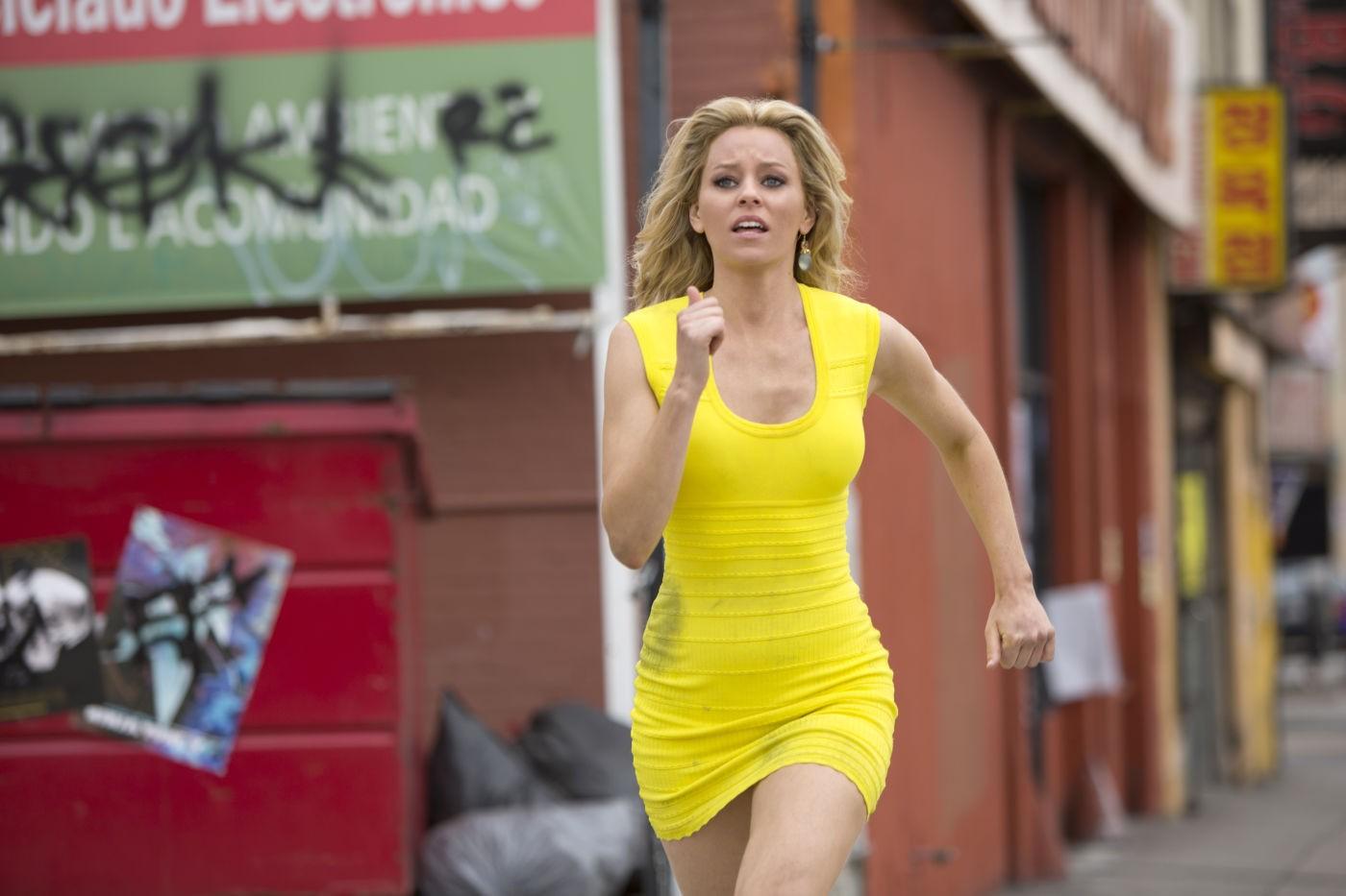 Una notte in giallo: Elizabeth Banks corre per le strade di L.A. in una scena della commedia