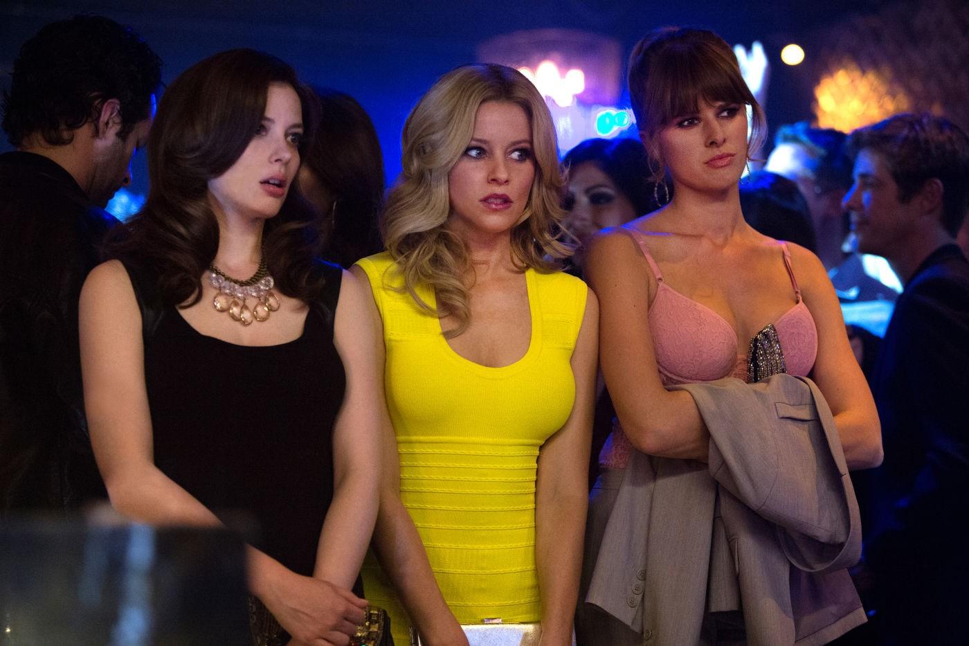 Una notte in giallo: Sarah Wright, Elizabeth Banks e Gillian Jacobs in una scena della commedia