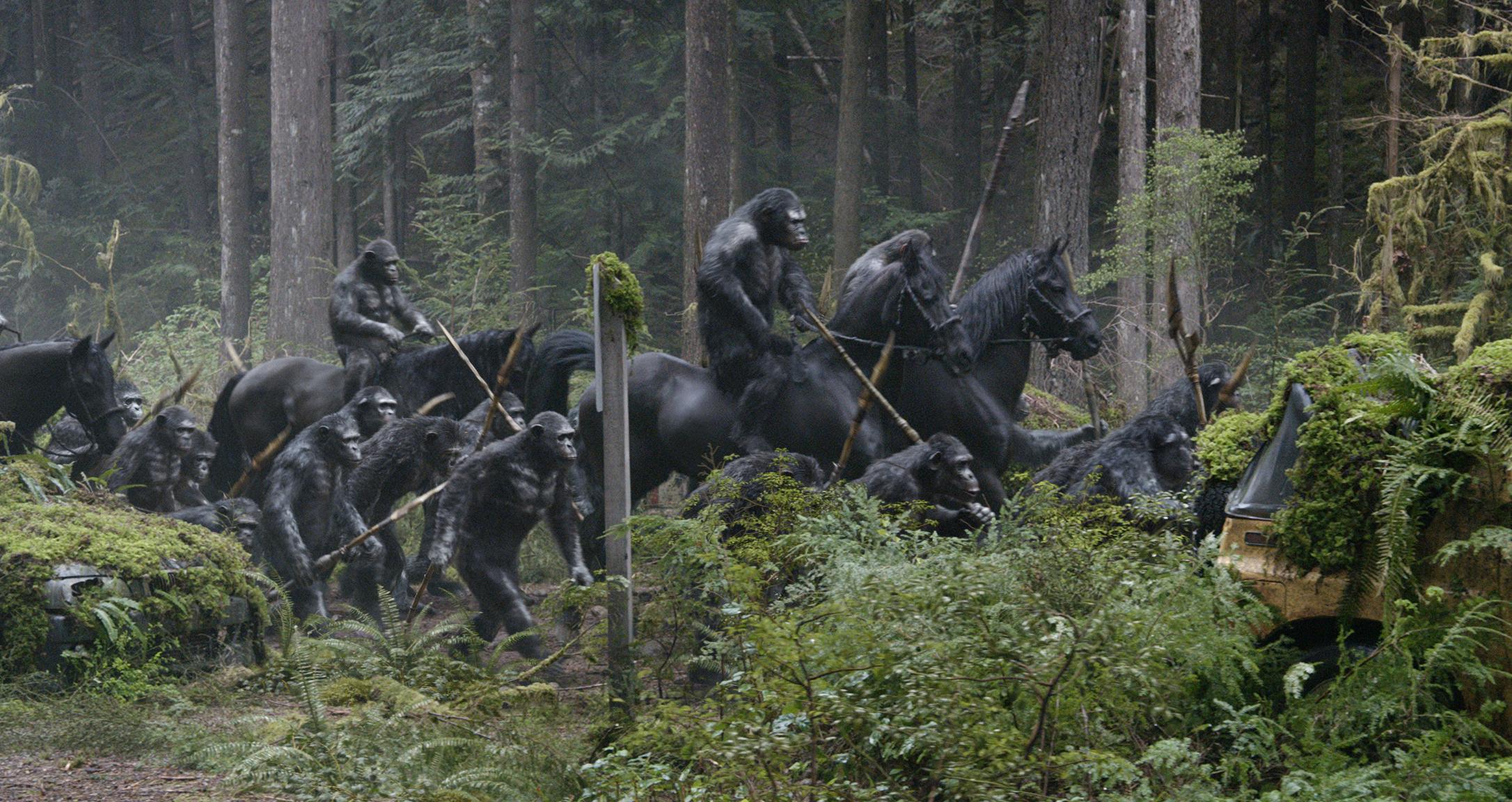 Apes Revolution - Il pianeta delle scimmie: una scena d'azione del film