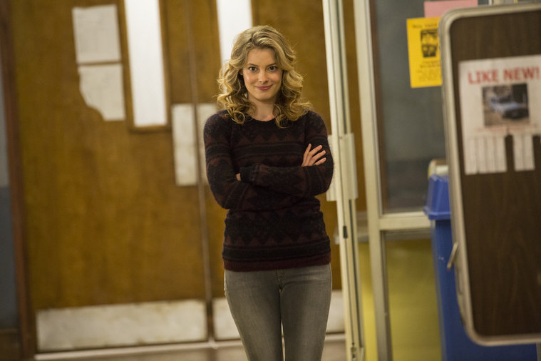 Community: Gillian Jacobs nell'episodi Analysis of Cork-Based Networking
