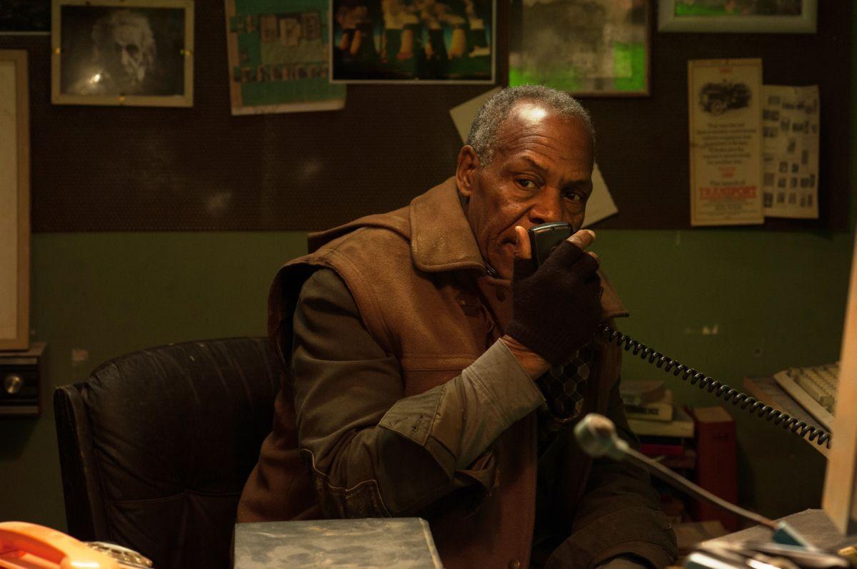 2047 - Sights of Death: Danny Glover in una scena del film