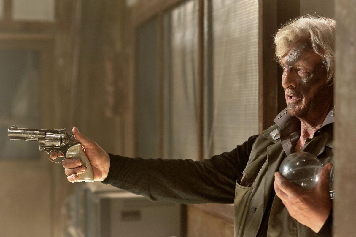 2047 - Sights of Death: Rutger Hauer in una scena del film