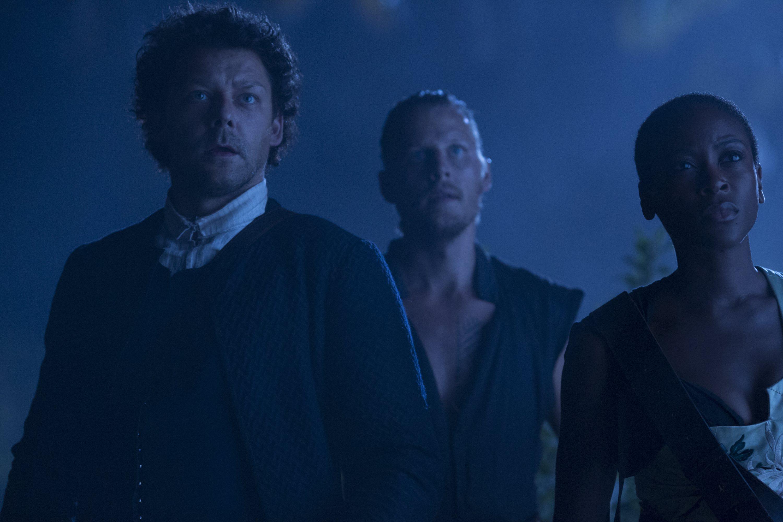 Crossbones: David Hoflin, Tracy Ifeachor e Richard Coyle nell'episodio Antoinette