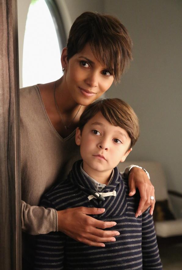 Extant: Halle Berry e Pierce Gagnon nel pilot della serie