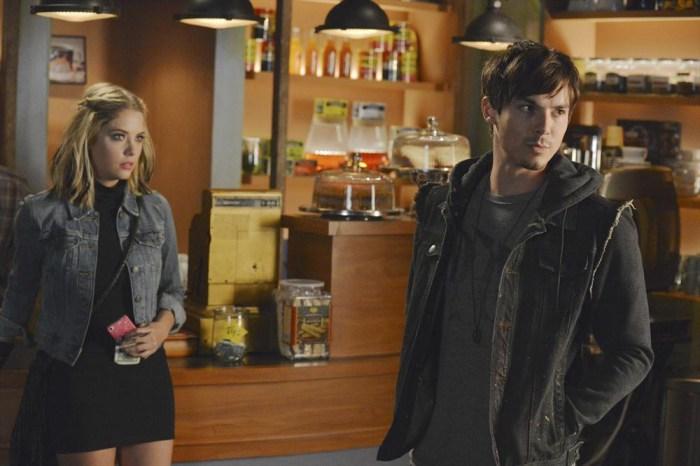 Pretty Little Liars: Ashley Bensoni e Tyler Blackburn nell'episodio Miss Me x 100