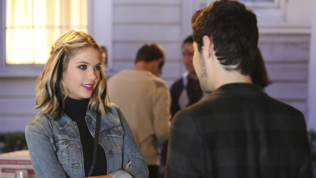 Pretty Little Liars: Ashley Benson in una scena dell'episodio Miss Me x 100