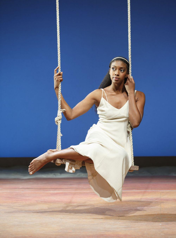 Condola Rashad nei panni di Giulietta in Romeo e Giulietta - Il musical da Broadway