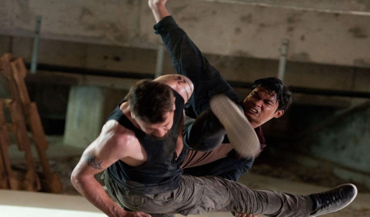 Tony Jaa durante un combattimento in una scena di The Protector 2