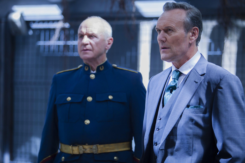 Dominion: Anthony Head e Alan Dale nell'episodio The Flood