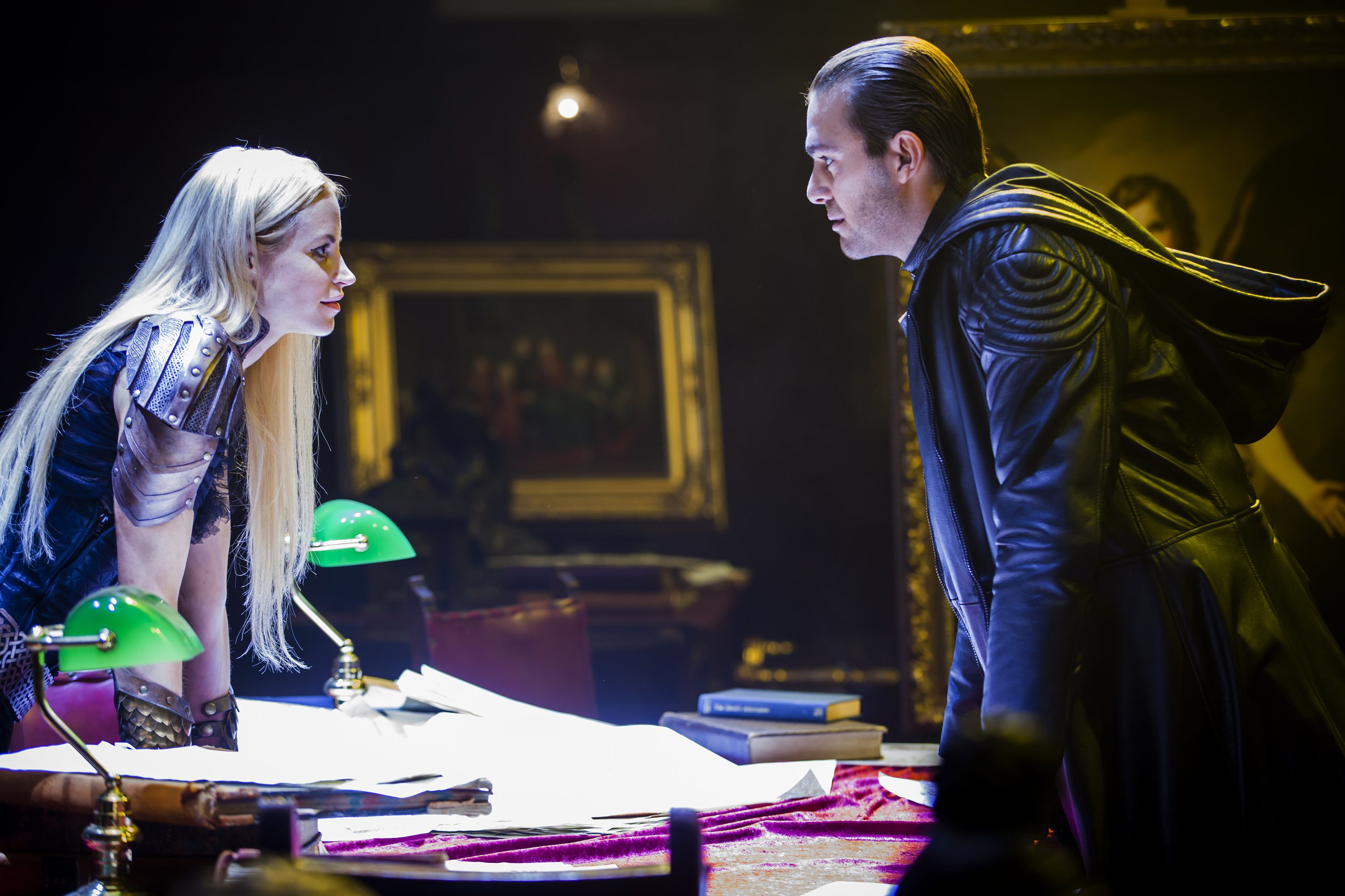 Dominion: Carl Beukes e Katrine De Candole nell'episodio The Flood