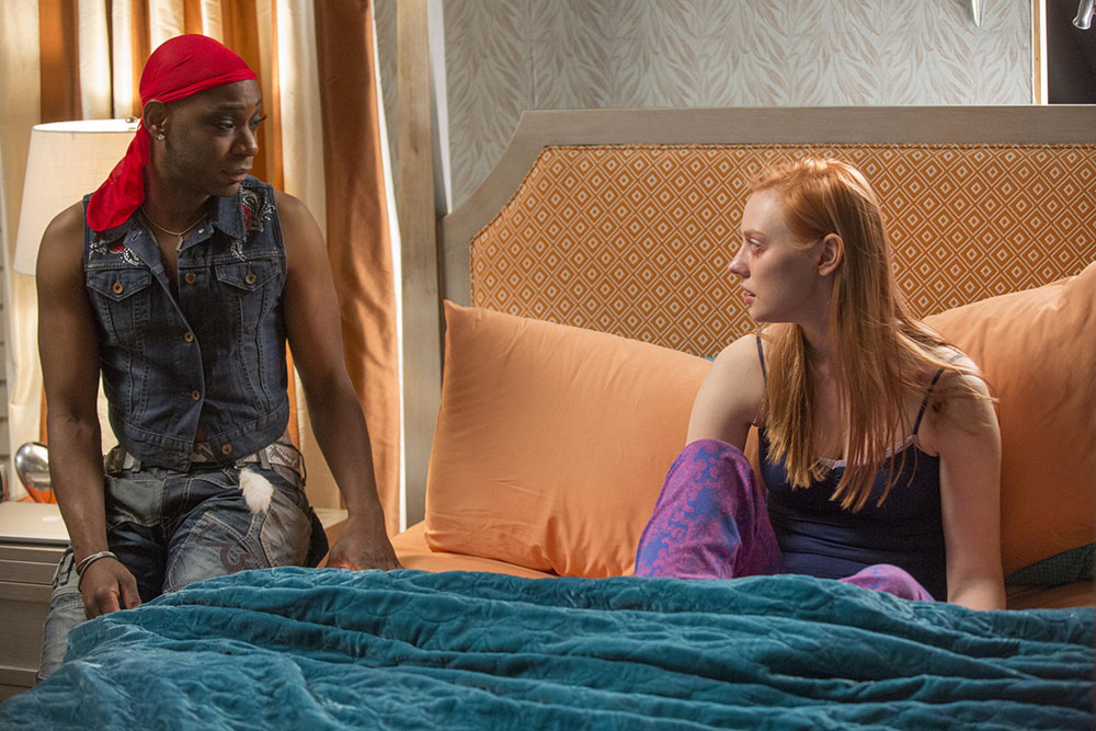 True Blood: Nelsan Ellis e Deborah Ann Woll nell'episodio Death Is Not the End