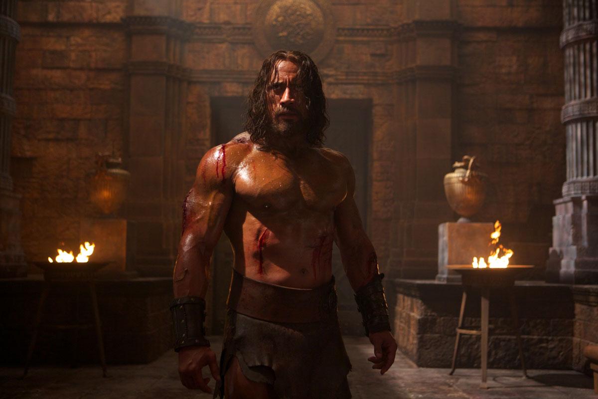 Hercules - Il Guerriero: il possente Dwayne Johnson è Hercules in una scena del film