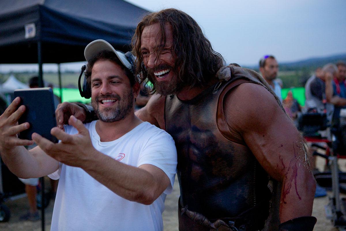 Brett Ratner con Dwayne Johnson sul set di Hercules - Il Guerriero