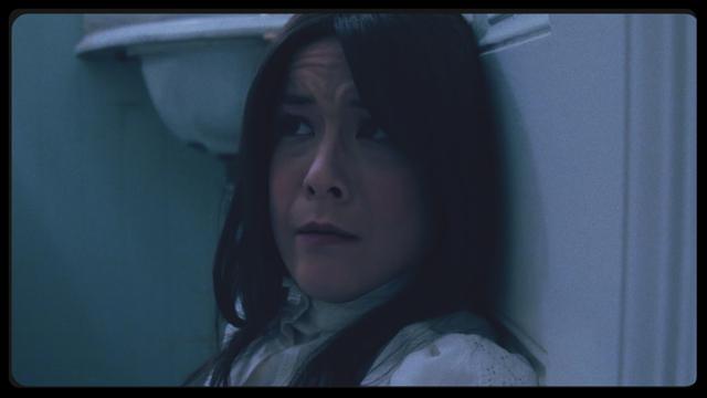 I Am a Ghost: Anna Ishida in un inquietante primo piano del film di H.P. Mendoza