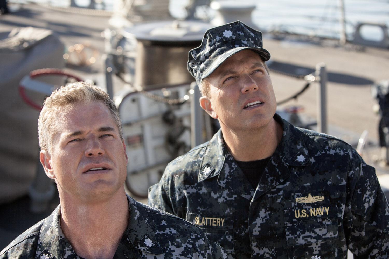 The Last Ship: Eric Dane e Adam Baldwin nell'episodio We'll Get There