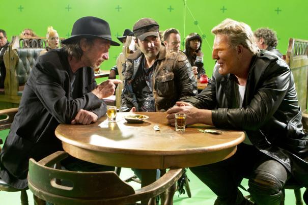 Sin City - Una donna per cui uccidere: Frank Miller, Robert Rodriguez e Mickey Rourke sul set green screen