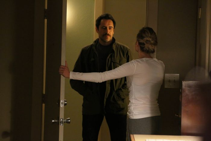 The Bridge: Diane Kruger e Demian Bichir nell'episodio Ghost of a Flea