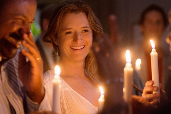 Extant: Grace Gummer nell'episodio Wish You Were Here