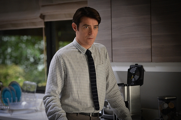 Extant: Goran Visnjic nell'episodio Wish You Were Here