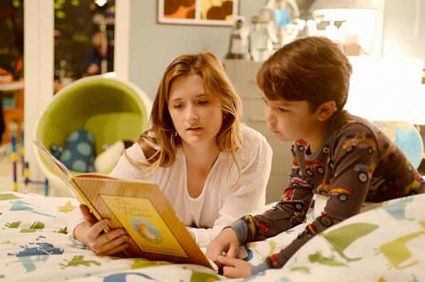 Extant:Grace Gummer e Pierce Gagnon nell'episodio Wish You Were Here