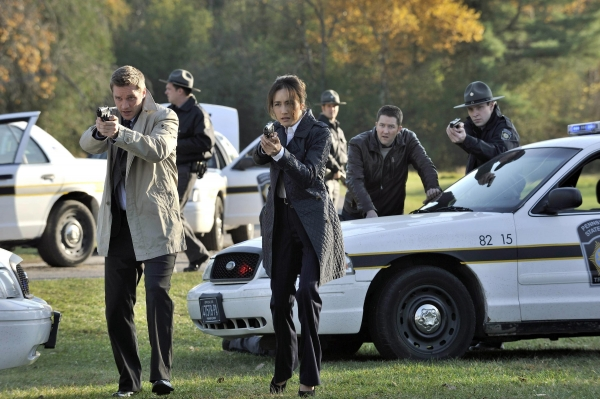 Nikita: Maggie Q nell'episodio Istinti di sopravvivenza