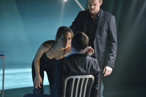 Nikita: Maggie Q e Shane West nell'episodio Fuoco con fuoco