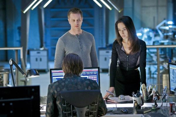 Nikita: Maggie Q nell'episodio Maschere