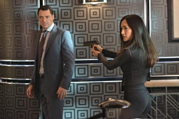 Nikita: Maggie Q nell'episodio Tutti hanno un prezzo