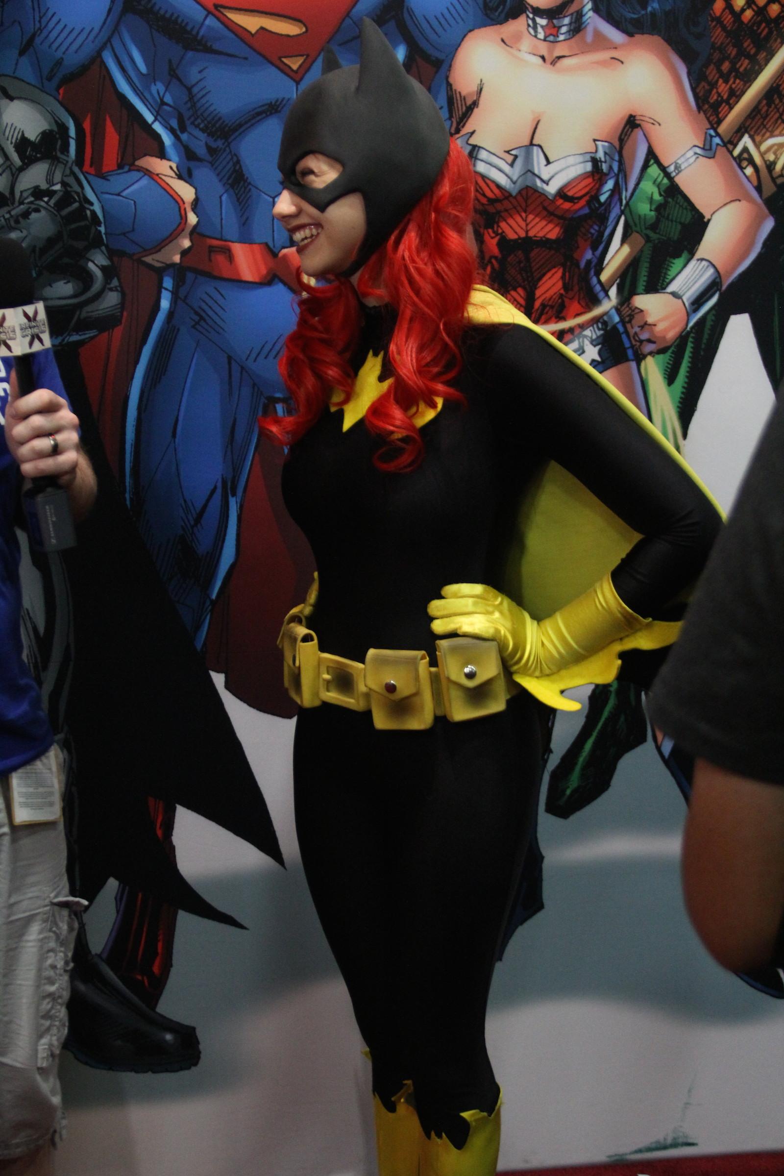 Comic-Con 2014: una cosplayer impersona Bat Woman
