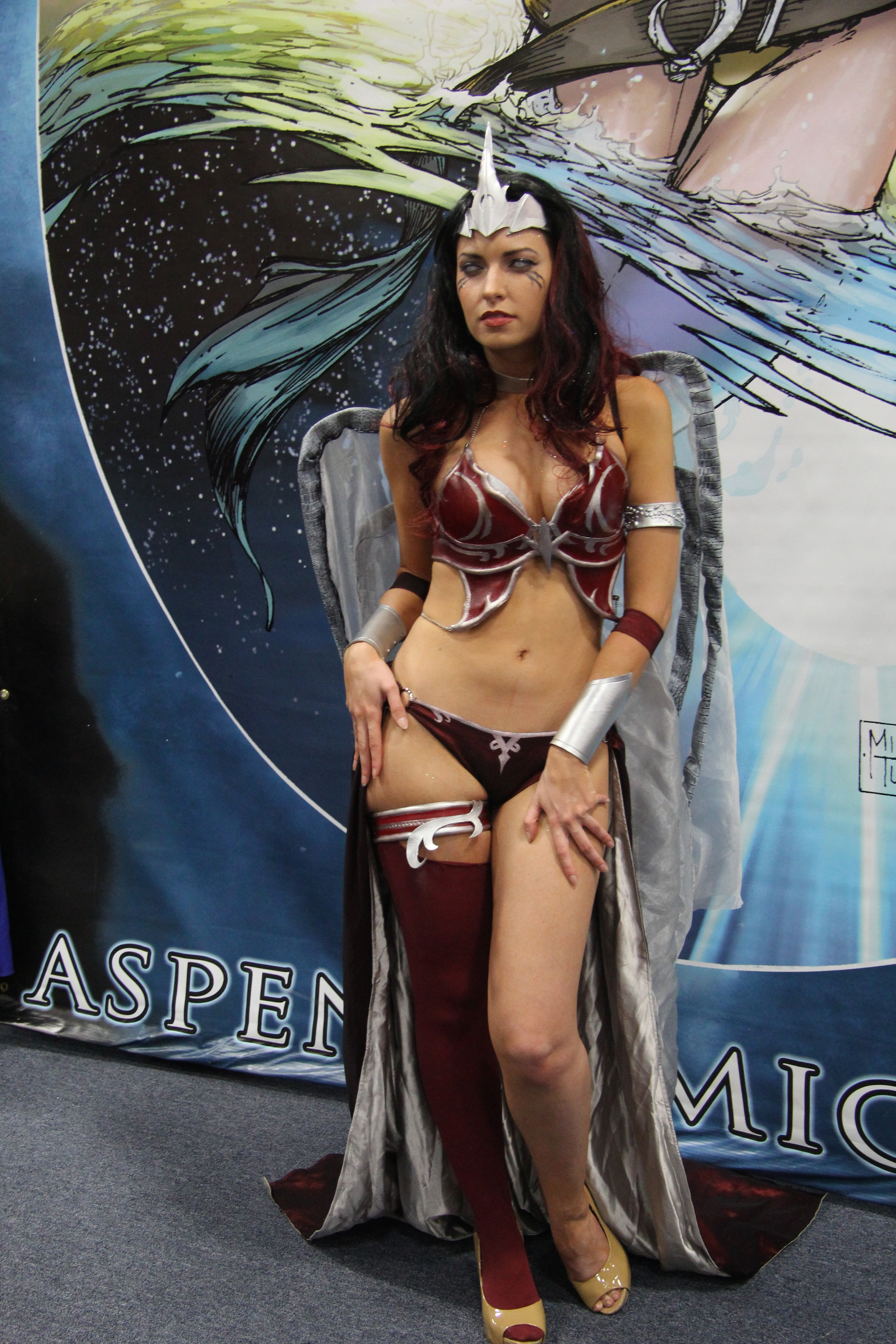 Comic-Con 2014: una seducente cosplayer a San Diego